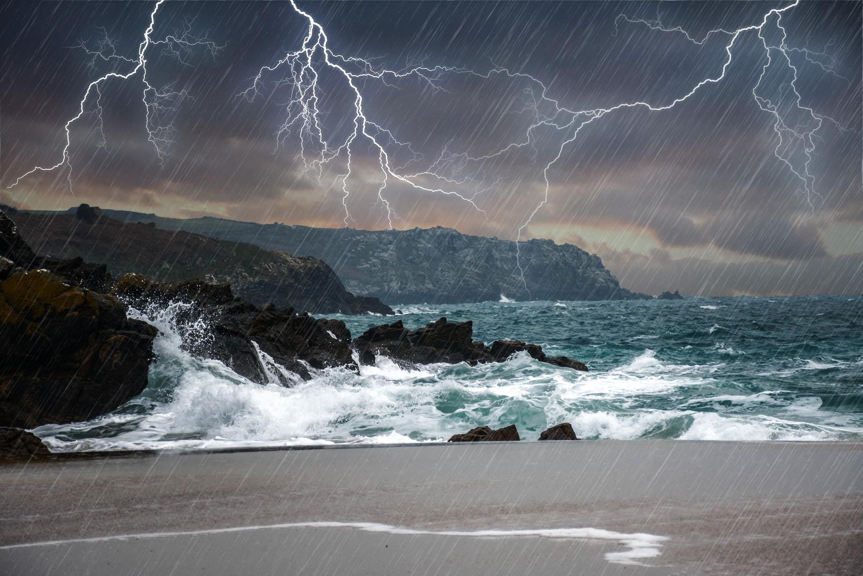 Orage en bord de mer